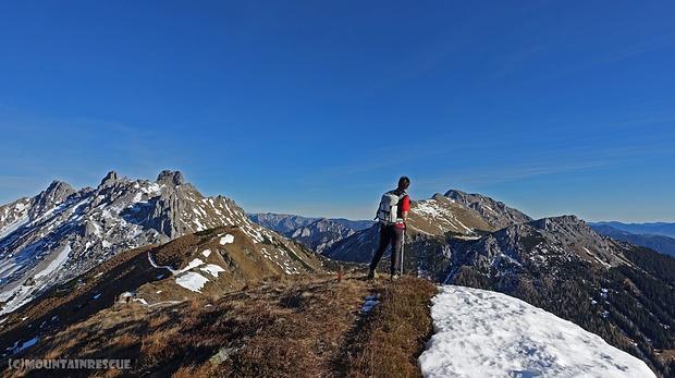 Abstieg über Hirscheggsattel und Leobnerhütte