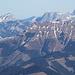 Hier schauen wir fast genau nach Nordosten über die Eisenerzer Alpen ins Hochschwabmassiv. Faszinierend finde ich, daß übers Wildfeld(18km) der Stadelstein(19km) herüberschaut, worauf ich ohne Uwe Deuschle nie gekommen wäre, obwohl es eigentlich logisch ist.<br />Ebenstein und Grießstein sind etwa 38km entfernt, der Brandstein 35km, der Große Zellerhut 58km, aber selbst der Hohenstein in den Türnitzer Alpen in 92km Entfernung ist noch gut zu erkennen!
