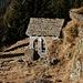 Kleine Kapelle bei der Alp Sompréi.