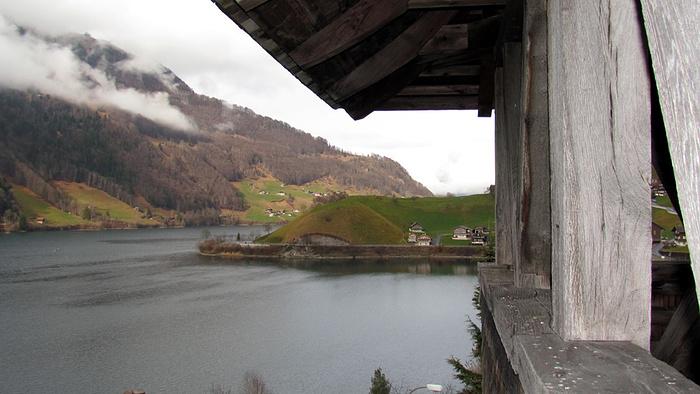 Ein Bild, das draußen, Berg, Brücke, Wasser enthält.  Automatisch generierte Beschreibung