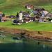 Turm und Inseln am Lungernsee.