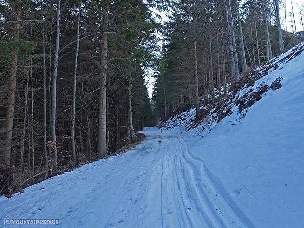 Der Schnee wird immer weniger bzw. die aperen Stellen immer mehr... :/