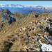 Gridone, auf dem Gipfel, Blick auf den Nebengipfel, den ich anschliessend auch noch besucht habe.