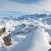 Gipfelblick Südost. Links im Vordergrund der P.2369.