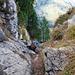 Ausstieg aus dem Kamin auf den Gipfelgrat.
