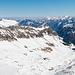 Blick in Richtung Nordosten vom Bannalper Schonegg mit Oberalper Grat (höchster Punkt links ausserhalb des Bildes) und Stockzahn