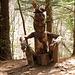 """lungo il sentiero dello """" spirito del bosco"""" ed iniziano le foto alle numerose statue lignee"""
