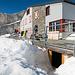 SAC Rugghubelhütte. Der Wintereingang ist bestens gekennzeichnet.