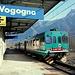 Auf der elektrifizierten Strecke Domodossola – Novara sind Dieselzüge eher ungewöhnlich. Am Ostersamstagnachmittag fuhren wir mit einem solchen (Baureihe ALn 663) nach Vogogna.