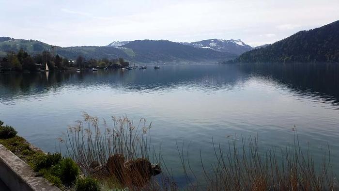 Ein Bild, das Wasser, draußen, See, Fluss enthält.  Automatisch generierte Beschreibung