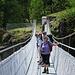 die neue Hängebrücke über die Massa