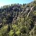 Ausblick von der Teehütte: in der linken Bildmitte die Glecksteinhütte. Knapp auf der Höhe der Hütte geht's unterhalb eines Felsriegels quer durch den Erosionstrichter.