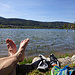 Die Füsse haben ein Bad verdient im kühlenden Wasser des Lac de Joux