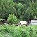 Informationstafeln entlang dem Wanderweg zur Sardonaalp erzählen die Geschichte der Walser im Calfeisental. Sie kamen anfangs des 14. Jahrhunderts über die Trinser Furgga ins Calfeisental und besiedelten es von oben nach unten.