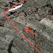 Der Gipfelaufstieg: Start zwischen altem WC und Winterraum.