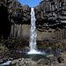 Unterwegs bei Skaftafell - Der Svartifoss ist für isländische Verhältnisse zwar eher ein kleiner Wasserfall, dennoch gehört er mit seinen Basaltsäulen sicherlich zu den schönsten der Insel.