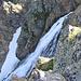 La cascata che scende dal Pian della Ballotta.
