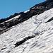Q2553, dalla foto non si intuisce bene il ripido, ma la neve non tiene per nulla ... e si decide assieme di mollare.. Mancano neanche 50mt di dislivello, la cima è sopra la nostra testa ... forse 15min, ma non si vuole rischiare stupidamente ....