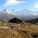 Suls-Lobhornhütte avec quelques petits sommets en arrière-plan