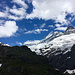 Blick von der Kletterroute am Wyssbachhorn (Steinbockgrätli) zur Glecksteinhütte und den Schreckhörnern