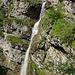 Hier sieht man die Dimensionen dieses Wasserfalls noch etwas besser.