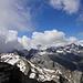 Auf dem Fanellhorn. Die Wunsch-Gipfel der heutigen Tour hüllen sich noch in Nebel