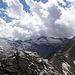 Ausblick im Aufstieg zum Höhberghorn in die Gletschergipfel des Hinterrheins