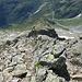 Blick vom Gipfel über den Südgrat zur Hütte runter