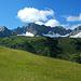 Im Süden zeigt sich das Karhornmassiv über dem Warther Skigebiet.