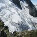 Blick auf den Gletscher mit den vielen Spalten
