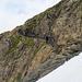 Der Drahseilgesicherte Schlussaufstieg zur Hütte könnte auch in einfachem Gelände umgangen werden