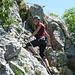 Die letzten 2m Klettersteigmeter des  Sentiero Foletti - um den Felskopf rum muß nochmal kräftig zugepackt werden.