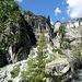 Hier irgendwo gilt es die Felswand zu überwinden um nach Plan Monnay zu gelangen....