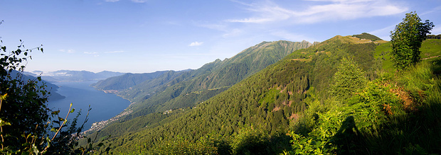 Erster Blick hinauf auf die Alpe di Naccio