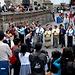 Treiben auf der Plaza Grande - Ein spontaner Gottesdienst unter freiem Himmel.