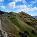 selbst die kargsten und steilsten Hänge werden bis auf 4000 Meter von der armen Bergbevölkerung kultiviert.
