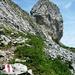 Das Türstenhäuptli (2029m). Der einfachste Aufstieg auf den Felskopf über den kurzen Nordgrat liegt auf der anderen Seite.