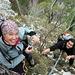 Ja, da können sie lachen... vor allem wenn man am Ende des Seiles hängt. ;-) Autsch, nicht hauen...