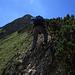 Aufstieg auf den schottrigen Kreuzkopf / salita alla cima ripida con tanta pietrisca del Kreuzkopf