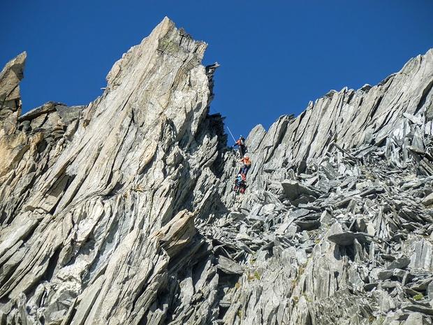 Kletterroute aus der Ferne fotografiert