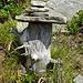 ein lieblicher Steinmann weist den Weg zum Rifugio Alpe di Fora