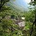 Salendo in Val Calnegia si ha modo di ammirare Foroglio dall'alto.