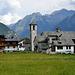 """L' abitato di Pecetto,nella terra dei Walser,  punto di termine della strada della valle e di partenza per le escursioni nel mondo del """"Rosa"""""""