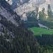 Tief unten liegt Waldhaus im Gasterntal