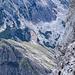 Von der Seethalerhuette blickt man runter auf's Raucheck, wo ich gestern ([tour112219 Raucheck (2192m) - Selten begangener Gipfel direkt vor der Dachsteinwand]) in voelliger Einsamkeit auf dem Gipfel stand.