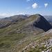 Blick von kurz unterhalb des Gipfels des Gross Schiahorn auf den Strelapass