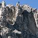 Einzig die letzten Meter zur Elferspitze sind anspruchsvoll. Links unter dem Gipfelkreuz führt ein schmaler Kamin empor.