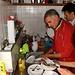 Francesco all' opera come lavapiatti