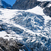 Stets begleiten uns die imposanten Eisabbrüche vom Rosenlauigletscher