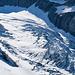 Imposanter Tiefblick zum Gletscher